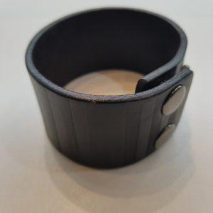 Textured Stripes Leather Bracelet – Black
