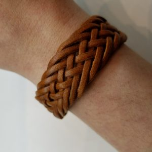 """Fishtail"" Braided Leather Bracelet – Light Brown"